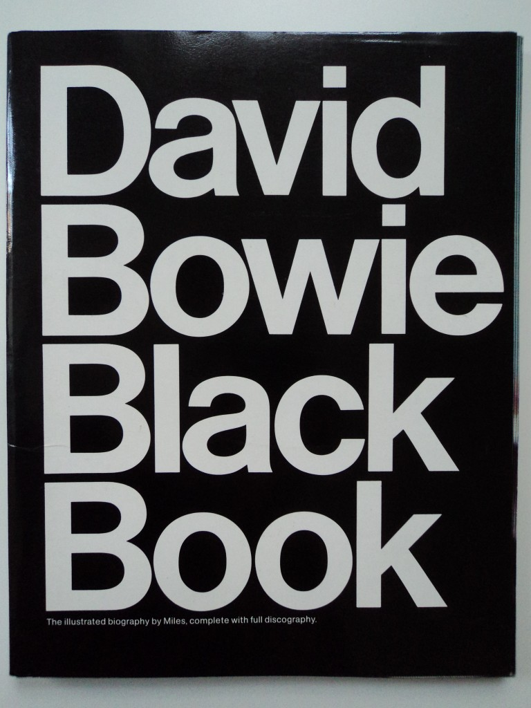 Foto Original David Bowie Black Book | Foto provided by Selfridges